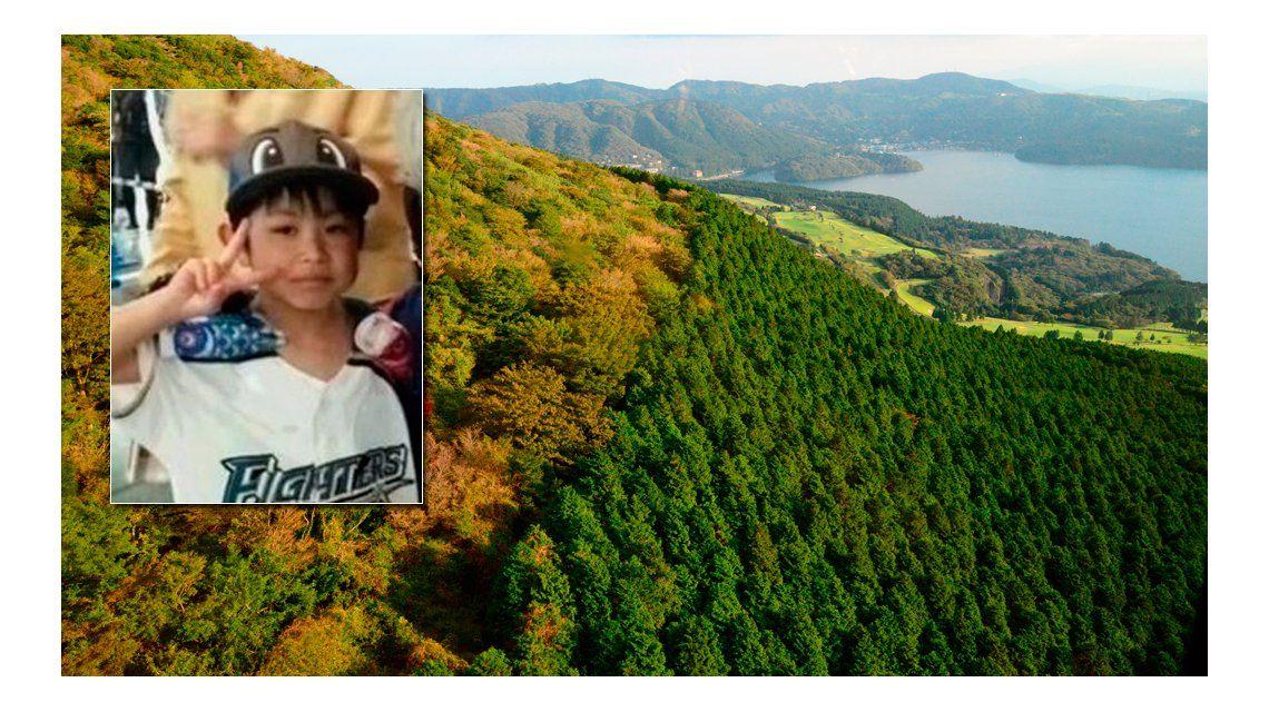 Sigue sin aparecer el nene que fue abandonado en un bosque como castigo