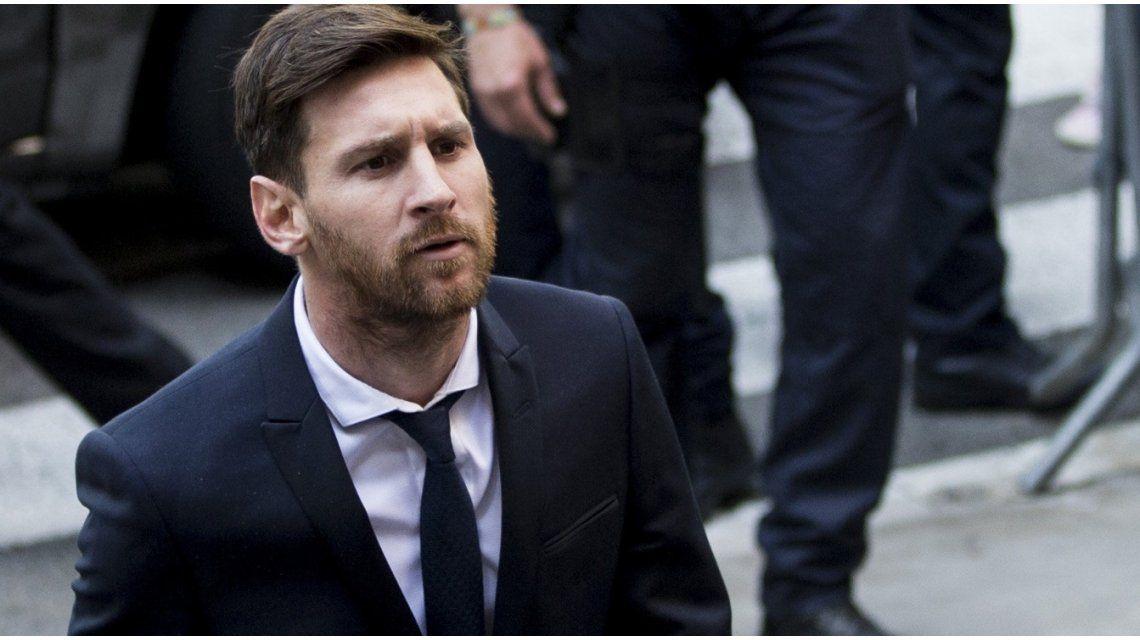 Andá a Panamá, devolvé la plata: así recibieron a Messi antes de declarar ante la Justicia