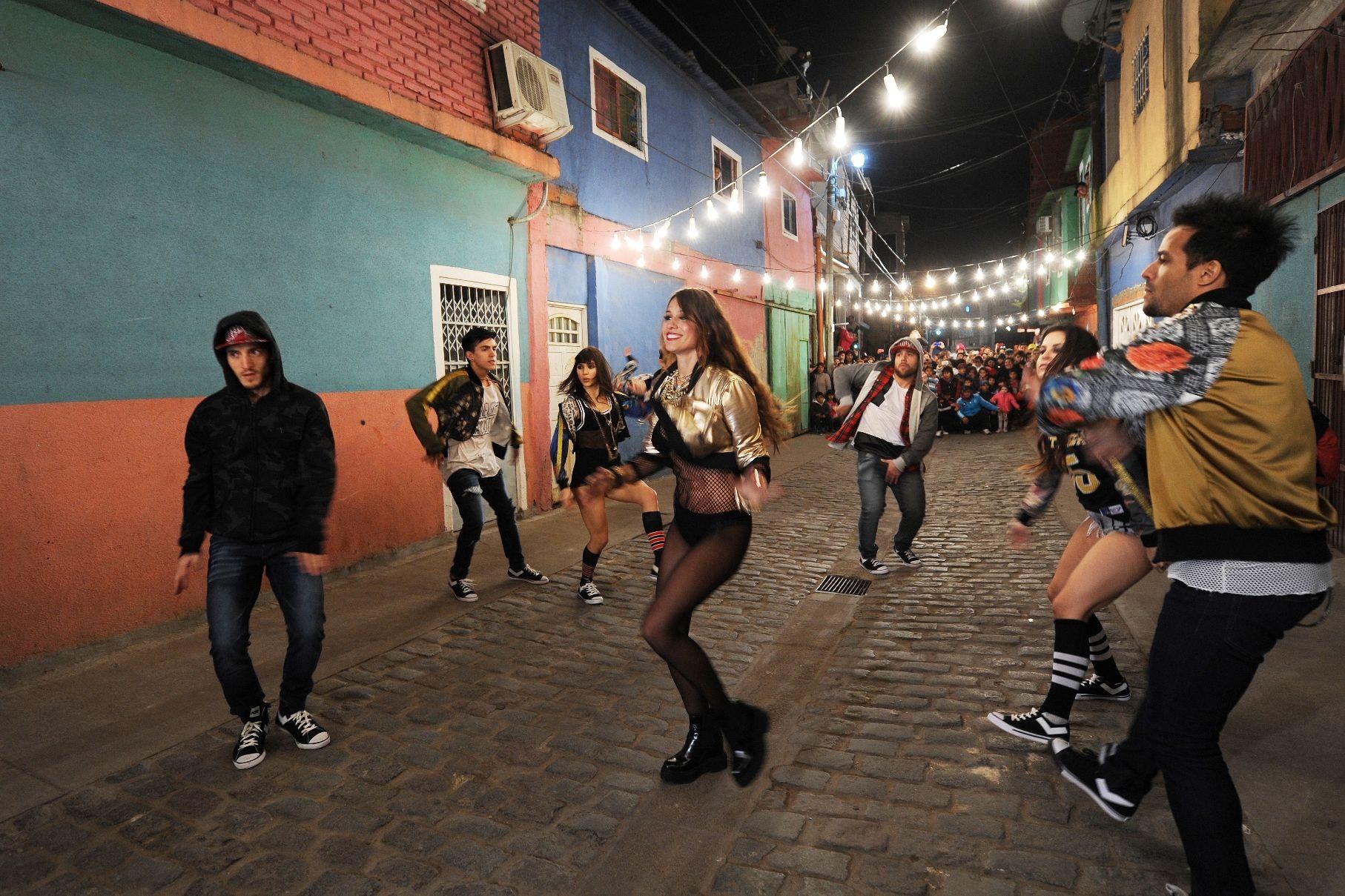 VIDEO: La sensual coreografía de Pampita desde la Villa 31