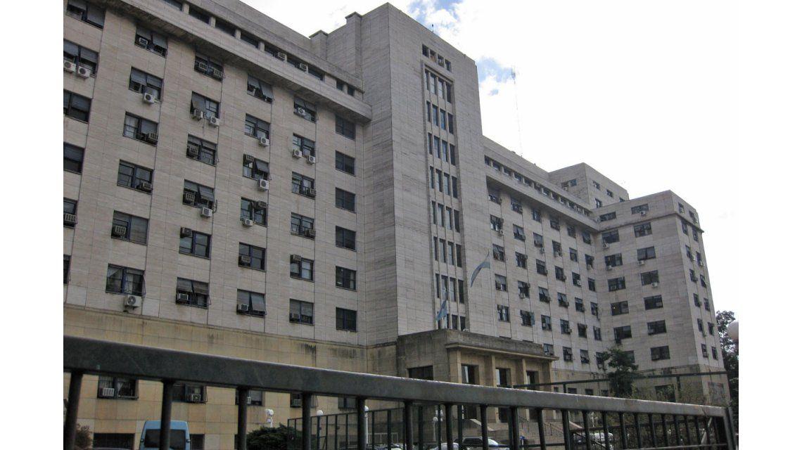 Escándalo en pleno juicio: un acusado quiso pasarle droga a otro y lo descubrieron