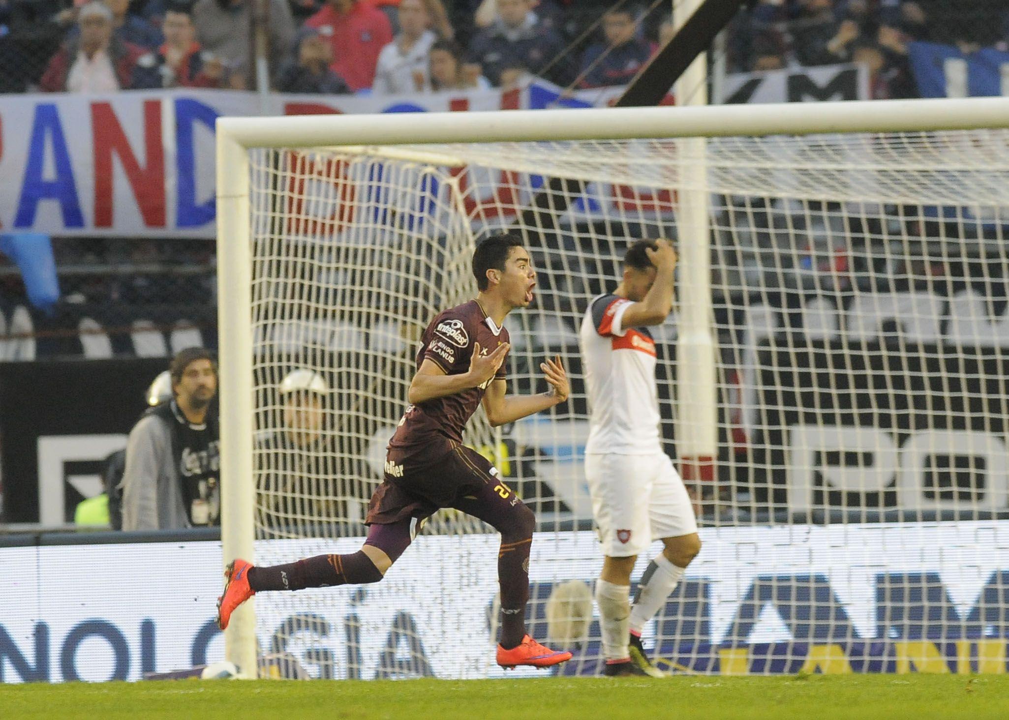Lanús aplastó a San Lorenzo y es el nuevo campeón del fútbol argentino