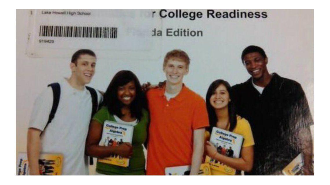 La web explotó con la foto de este libro de álgebra por culpa de sus modelos