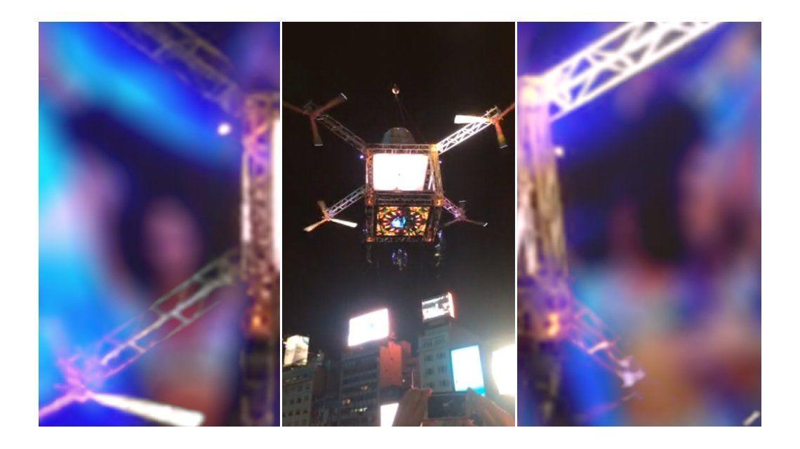 VIDEO: un drone gigante fue montado en el Obelisco para la apertura de Showmatch