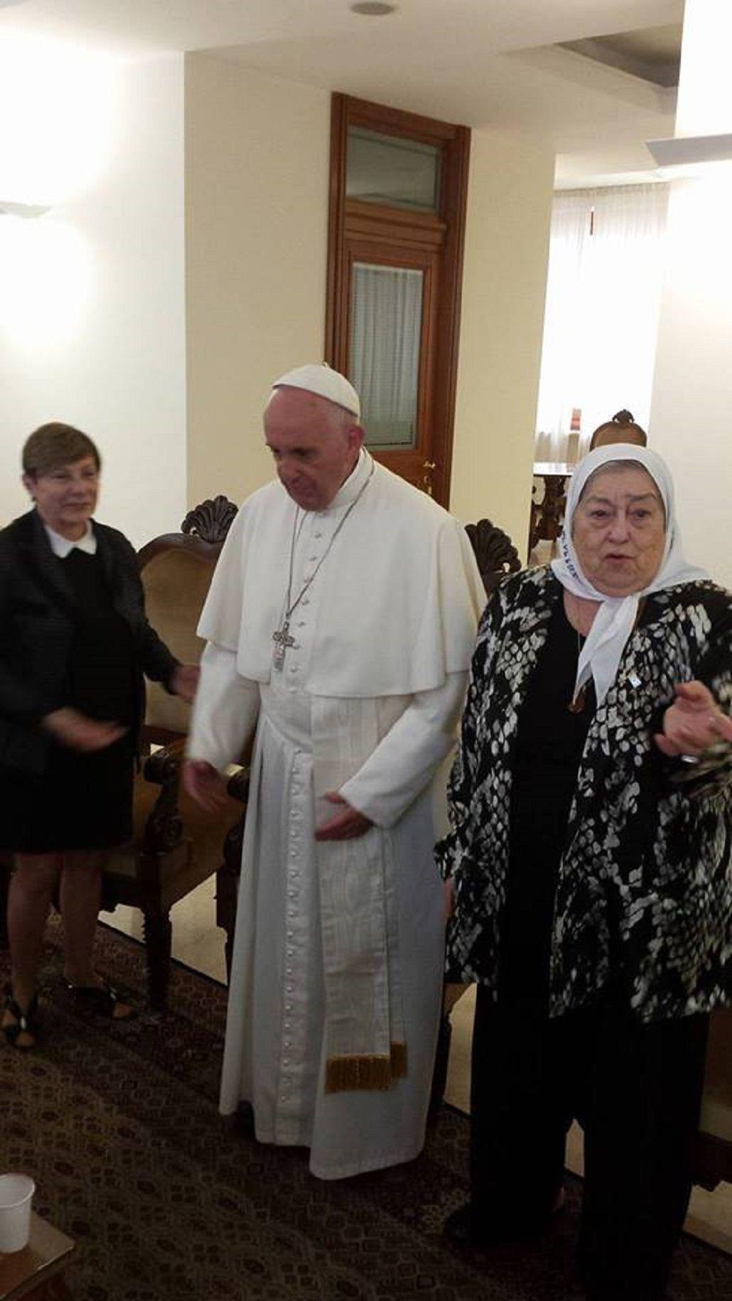 Hebe al Papa: Hay que pedir perdón cuando uno se equivoca