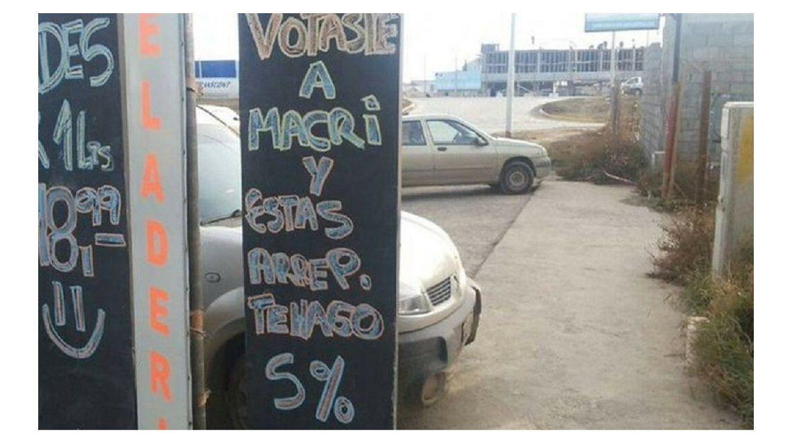 Un comerciante realiza descuento si votaste a Macri y estás arrepentido