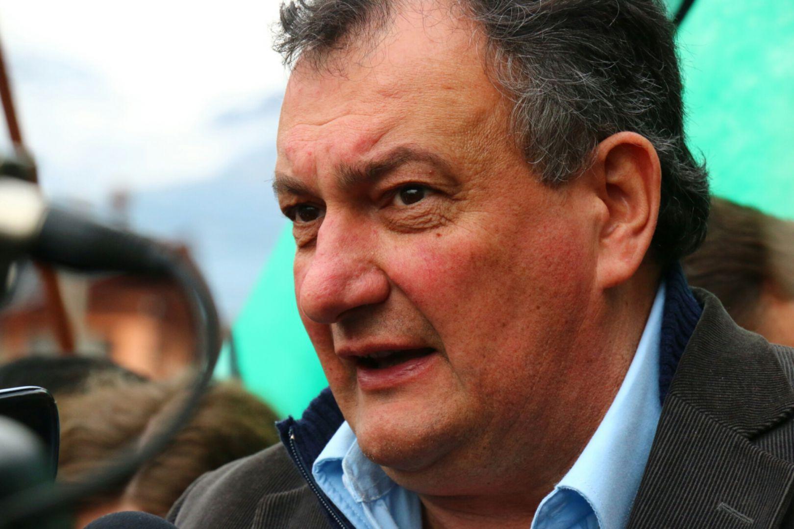El intendente de Bariloche presentó la cautelar
