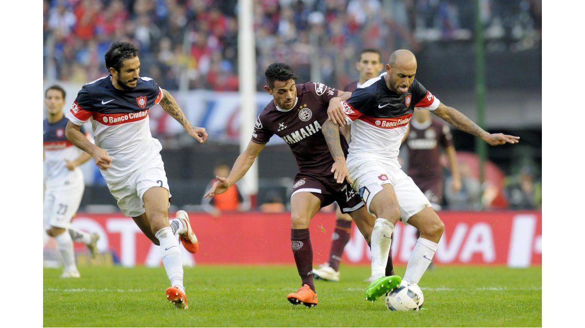 Lanús y San Lorenzo disputaron la final del torneo local a mediados de 2016
