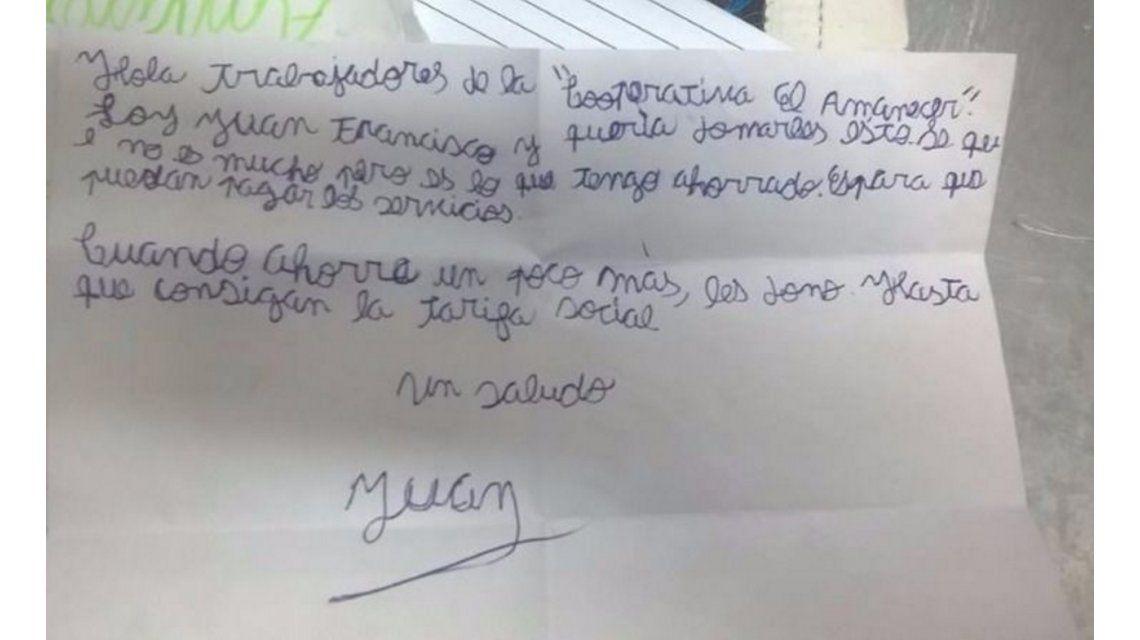 Un nene de 8 años donó sus ahorros para que una cooperativa pueda pagar la luz