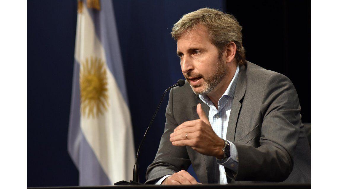 Frigerio reconoció que por el tarifazo hay mucha gente que la pasa mal