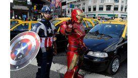 Iron Man y Capitán América, contra Uber