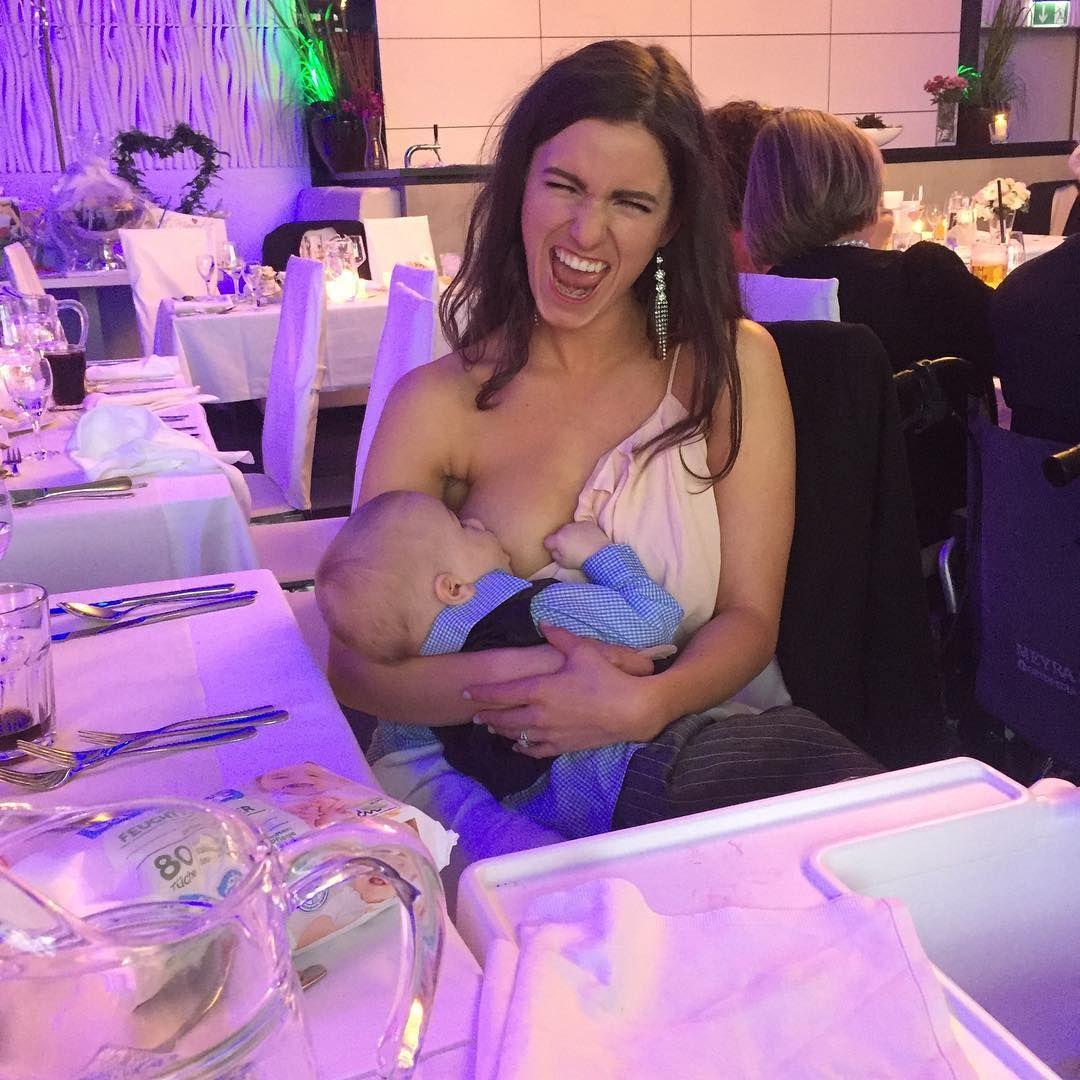 Se convirtió en viral por darle la teta a su bebé en un casamiento