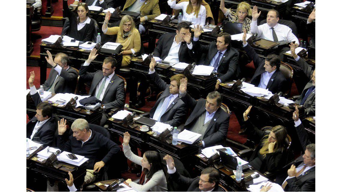 Finalmente, el proyecto para habilitar el blanqueo y el pago a jubilados entró por Diputados