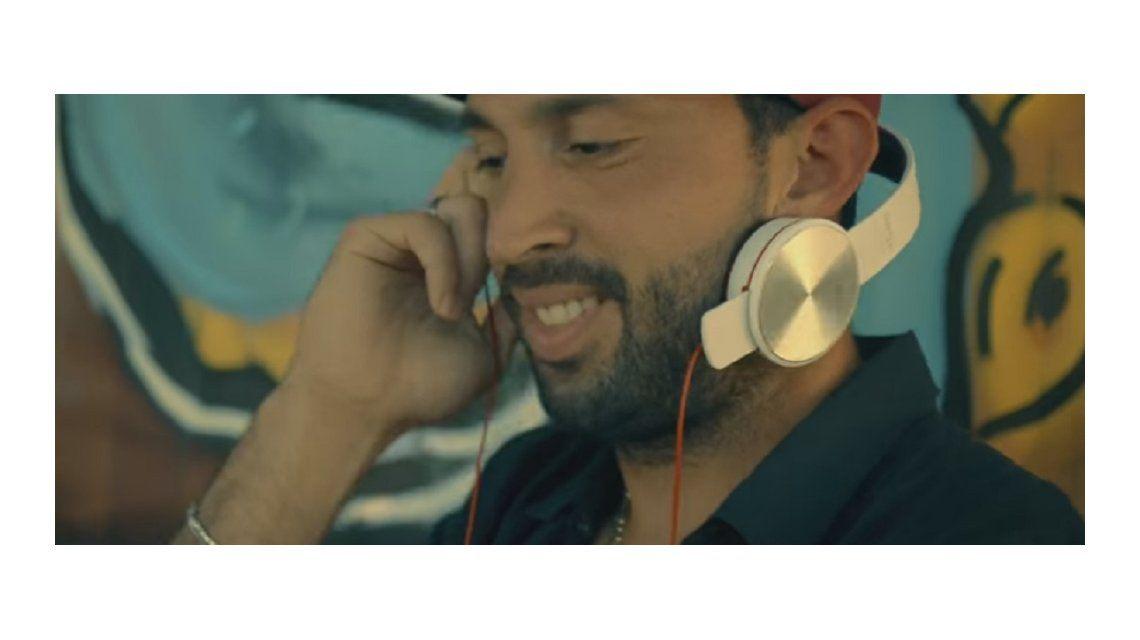 A lo Sandro Guzmán: el arquero de Huracán se convirtió en DJ