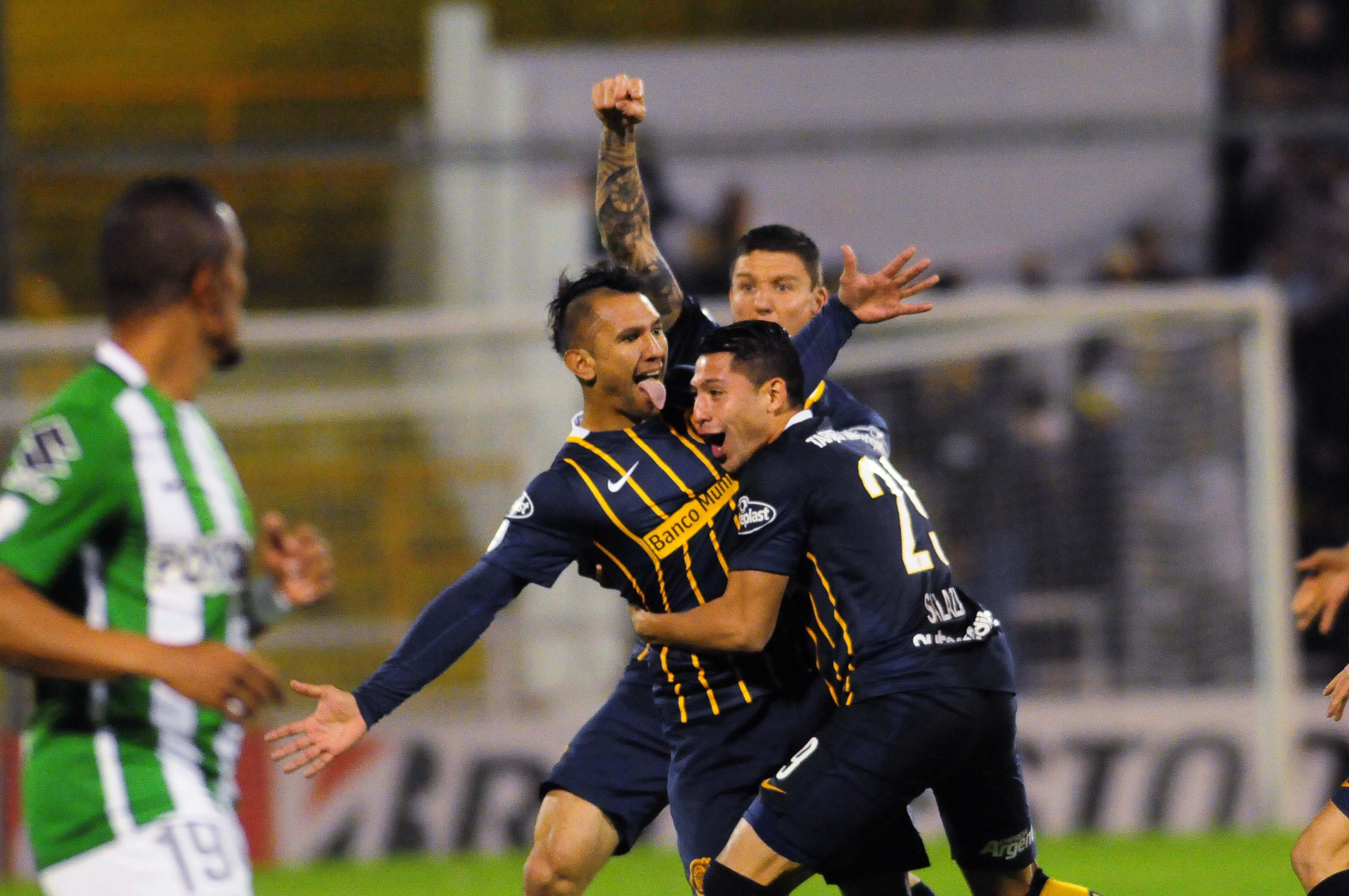 Central venció a Atlético Nacional y viaja a Colombia con ventaja