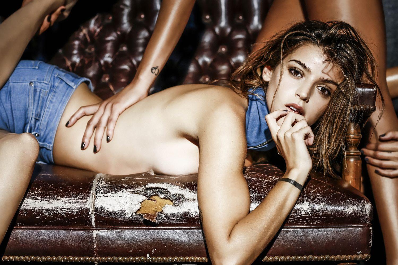 El sensual video de Calu Rivero en topless y jean