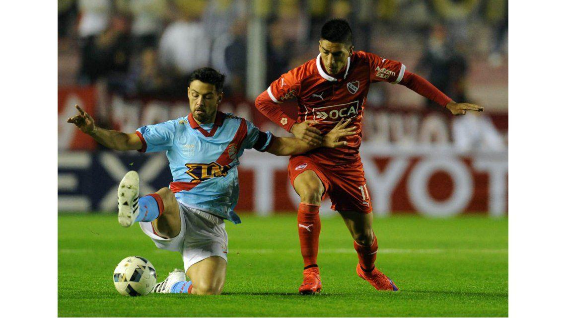 Con entrenador interino, Independiente venció a Arsenal en Avellaneda