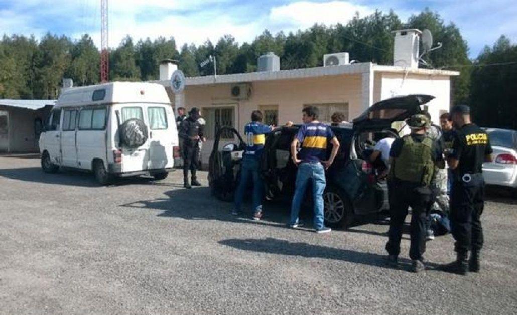 Fuerte operativo a los hinchas de Boca en Uruguay: tenían drogas y alcohol