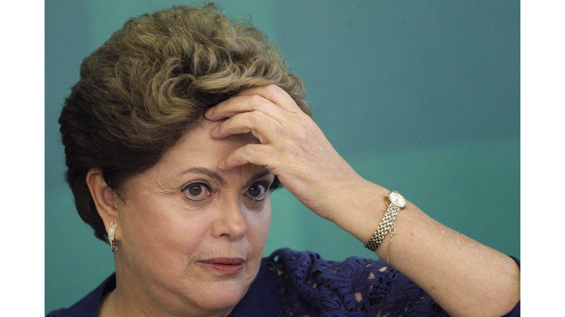 Tras una maratónica sesión, Dilma fue suspendida y va a juicio político