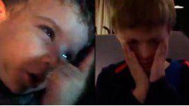 Pura ternura: dos nenes lloran la partida de Barovero