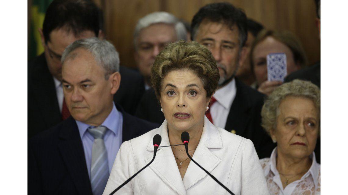Dilma advirtió que el mayor riesgo para el país es un gobierno sin voto