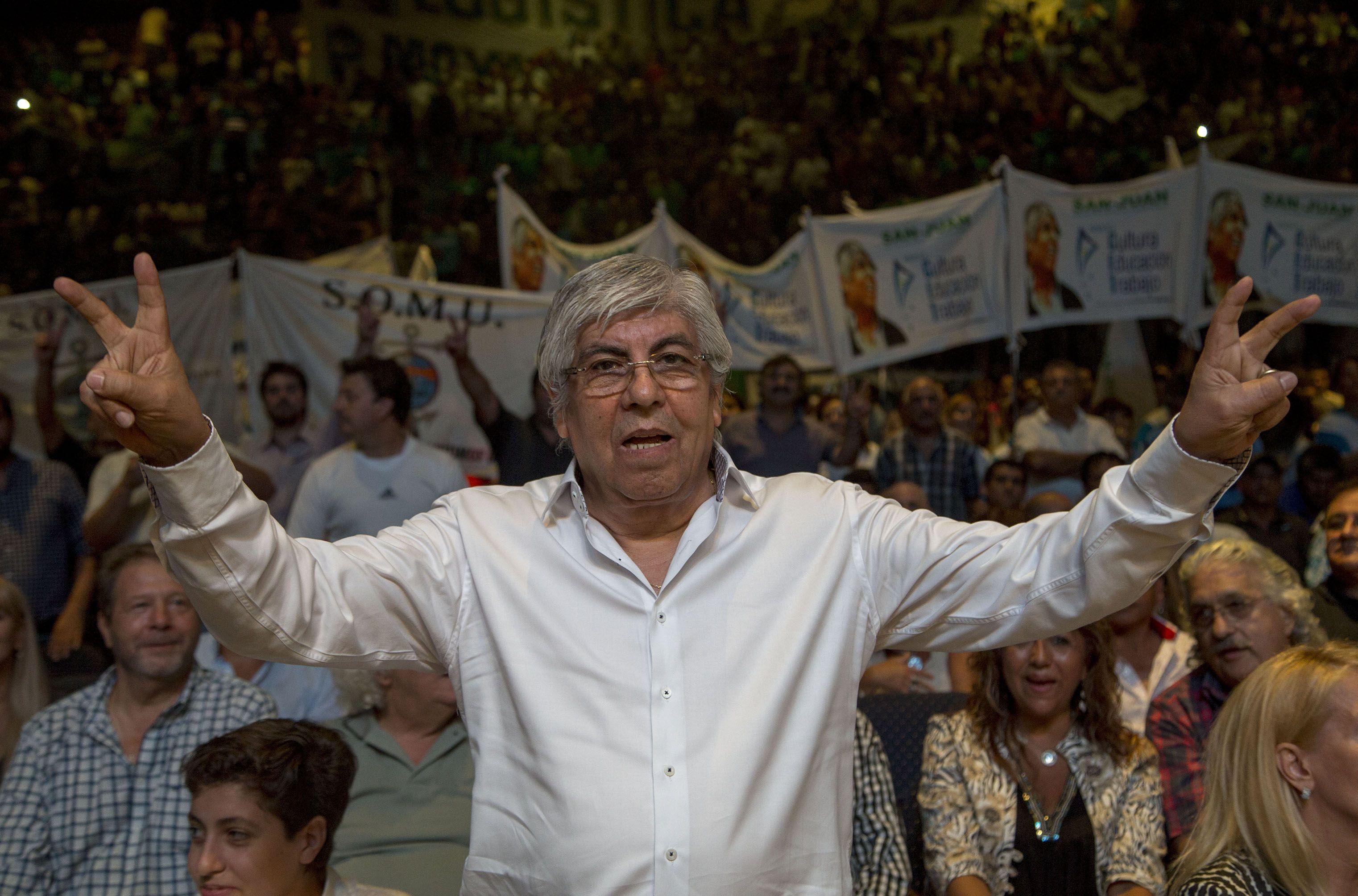 Hugo Moyano podría bajarse de la pelea por la AFA