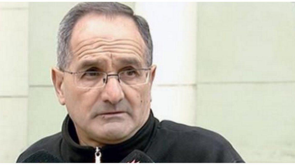 Habló el cura que prohibió las calzas en misa: Este pueblo está endemoniado
