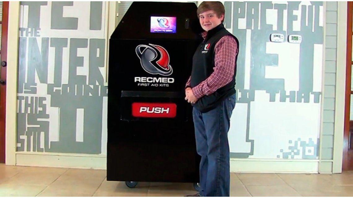Un genio: un adolescente inventó una máquina expendedora de botiquines