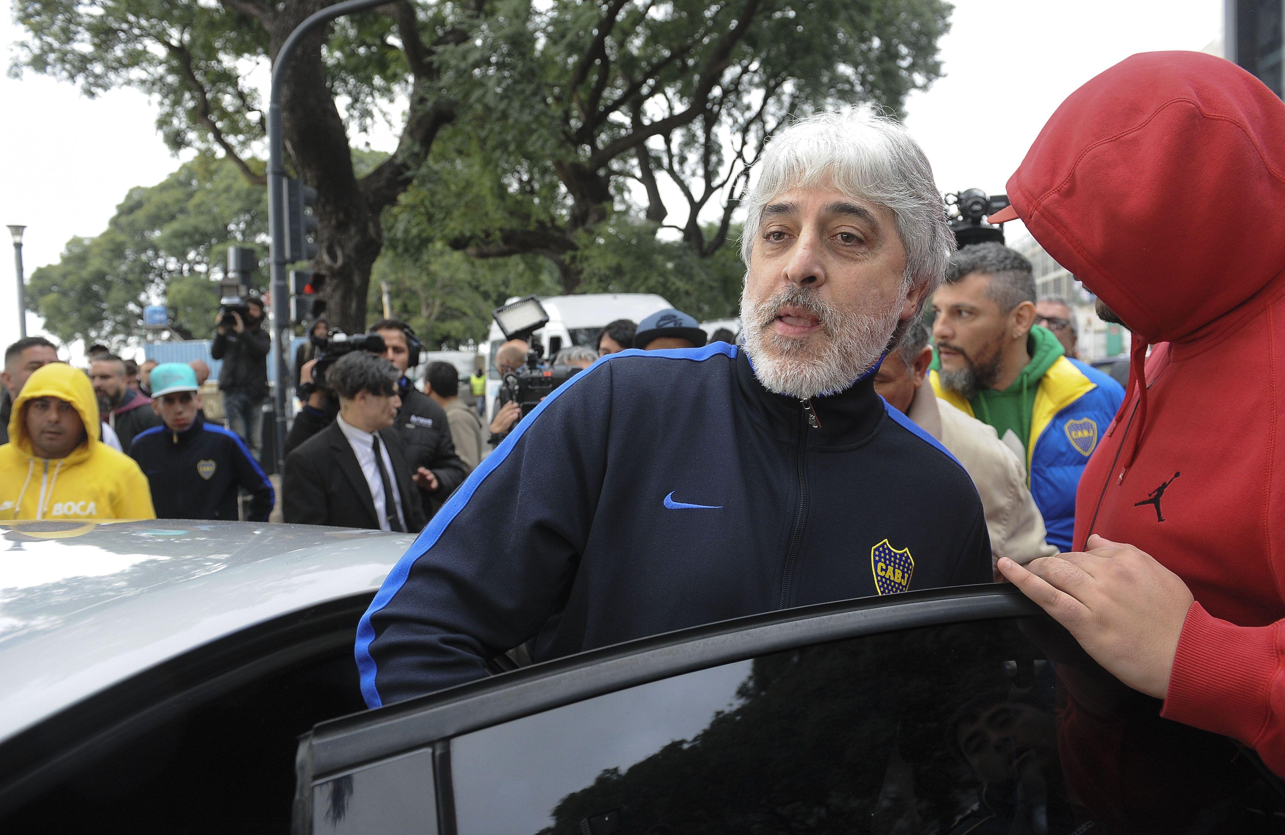 Di Zeo regresó al país con la 12 y acusó una emboscada de la policía de Paraguay