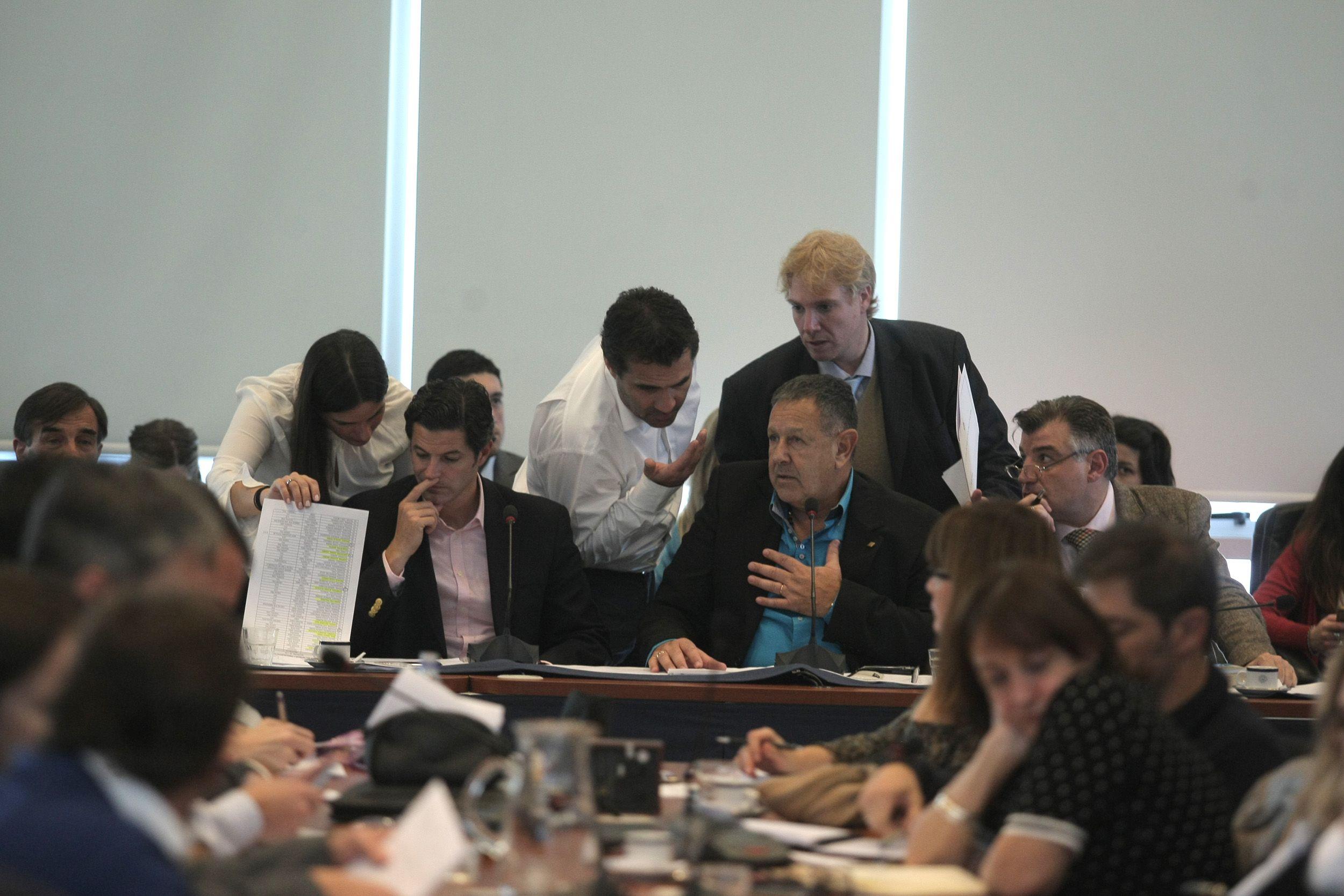 Sin la presencia de los gremios ni del FPV Diputados comenzó a debatir la Ley Antidespidos