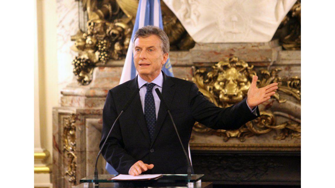 Macri les pidió a los empresarios no reducir su plantel laboral