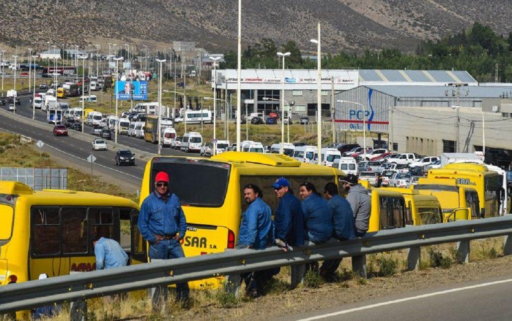 Das Neves destacó la histórica movilización de los petroleros en Comodoro