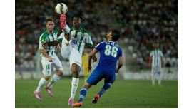 Otra vez el fútbol de luto: murió un futbolista camerunés en pleno partido