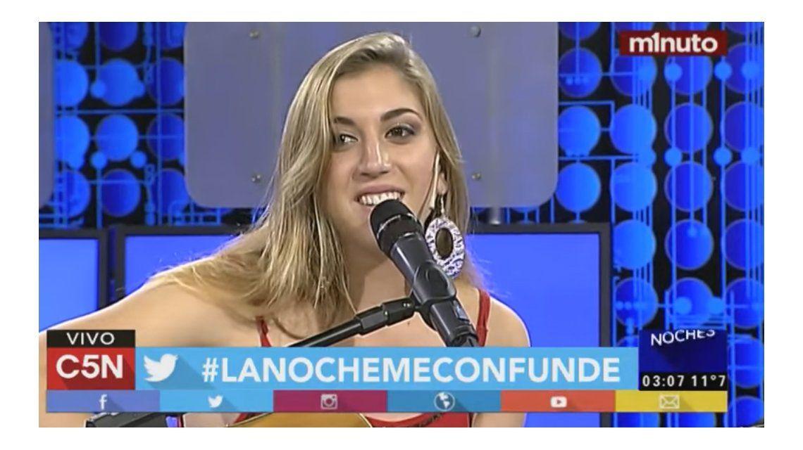 Revelación nacional: la sobrina de Miguel Cantilo la rompió en Noches Mías