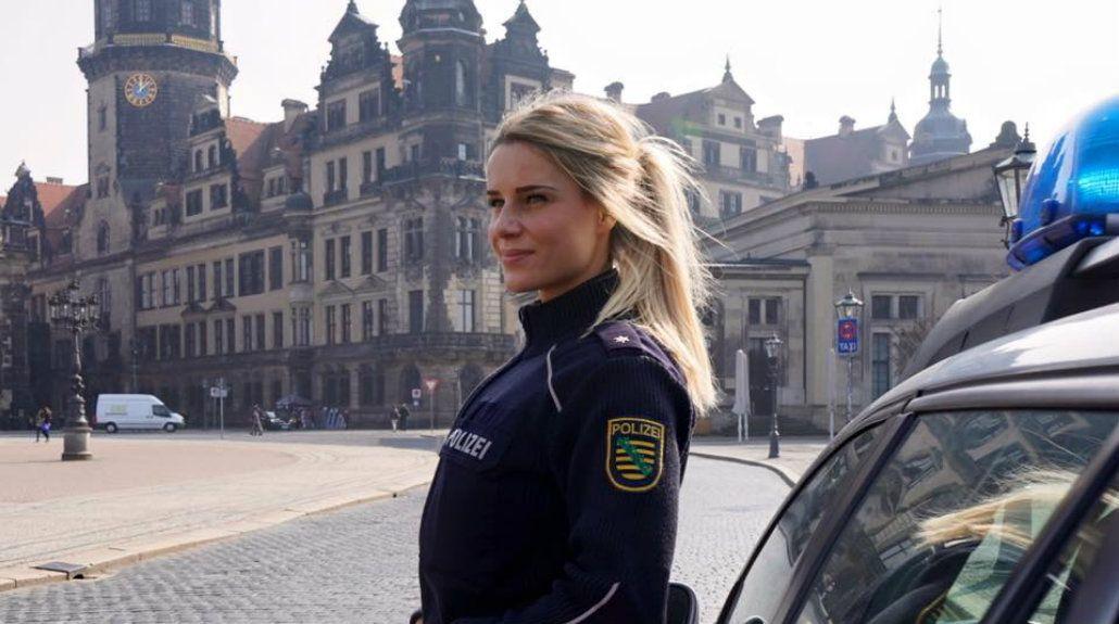Encuentran a la oficial de Policía más bella de Alemania y es famosa en la web