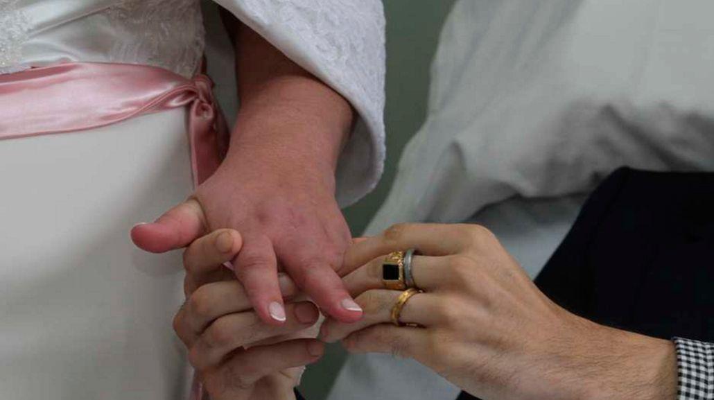 Amor eterno: enfermo terminal se casó en la sala de oncología