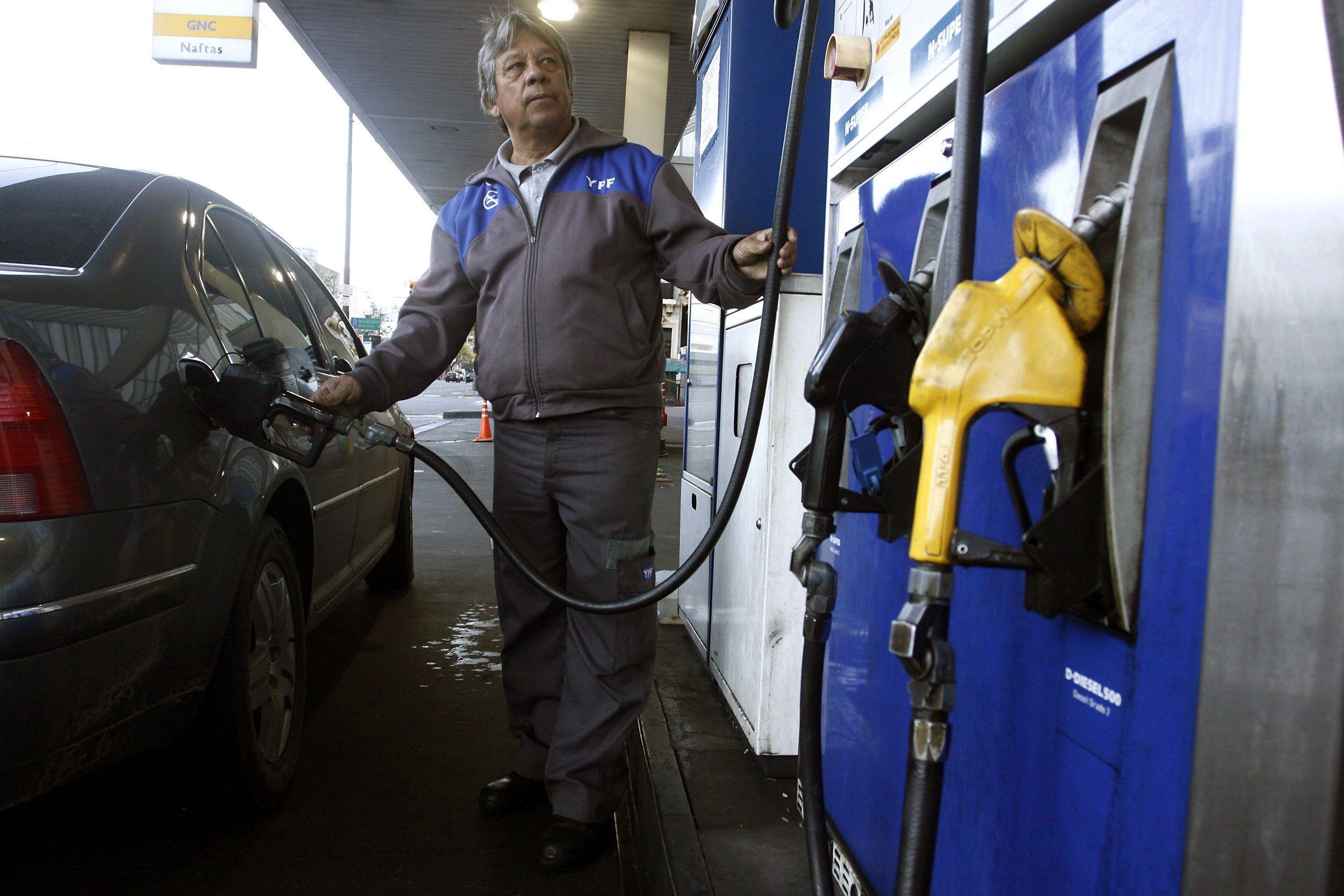 Aumenta el combustible: 7,2% para la nafta y 6 para el gasoil