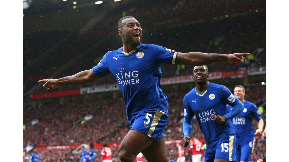 Leicester empató en Old Trafford y no pudo ser campeón este domingo