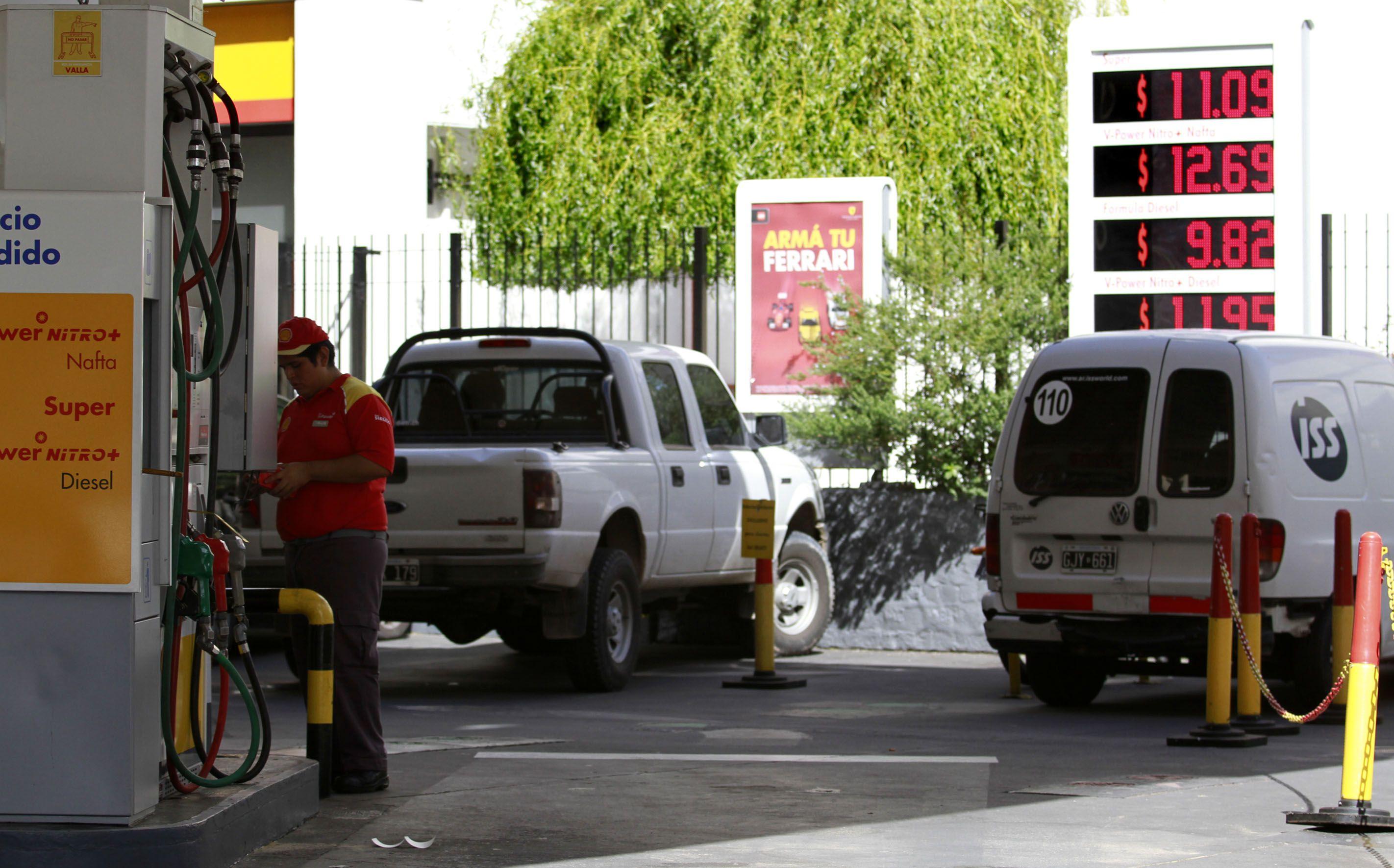 La gente dejó de cargar nafta y hasta gas por los precios