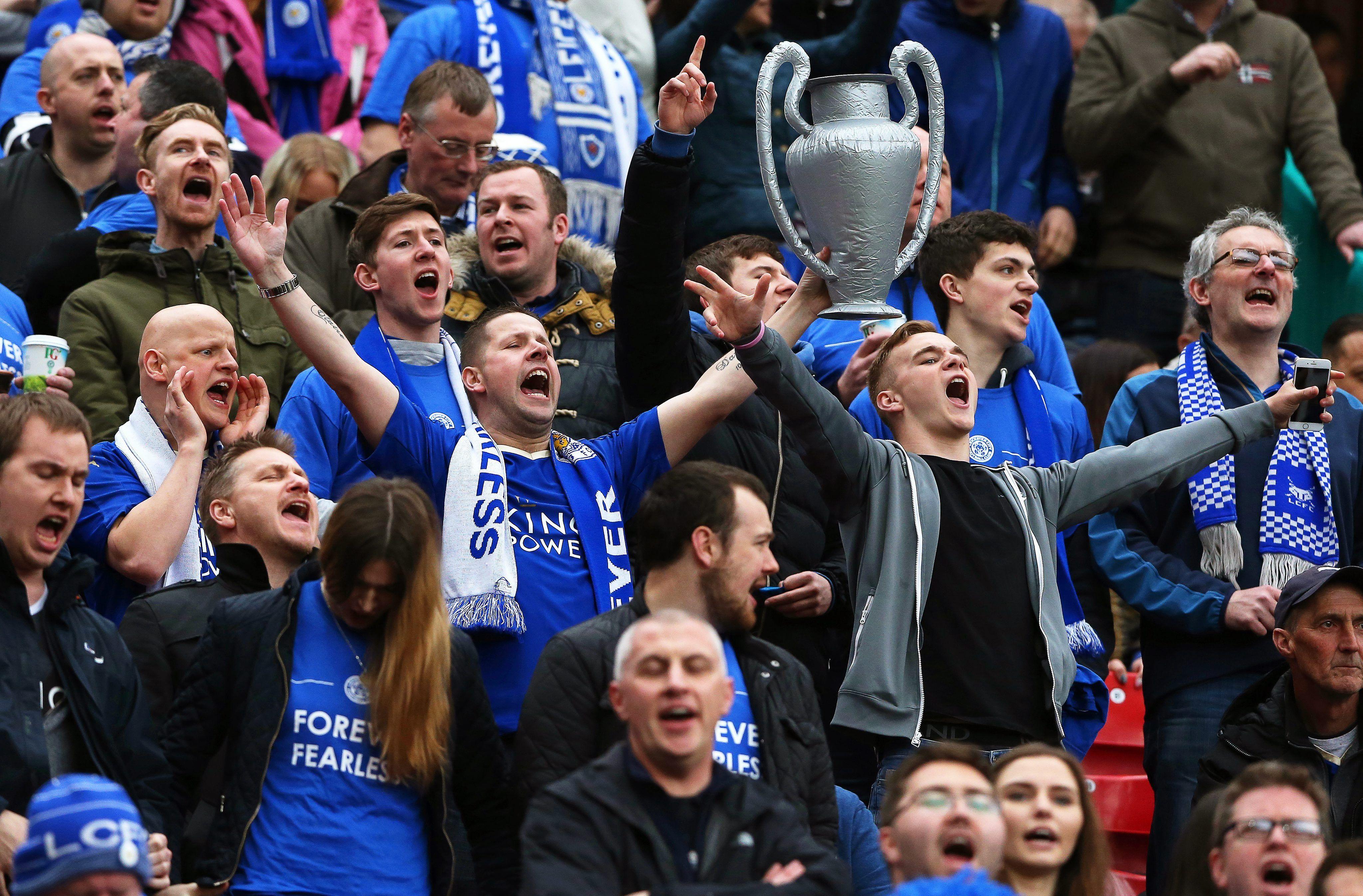 El DT de Leicester cree más en los extraterrestres que en retener el título