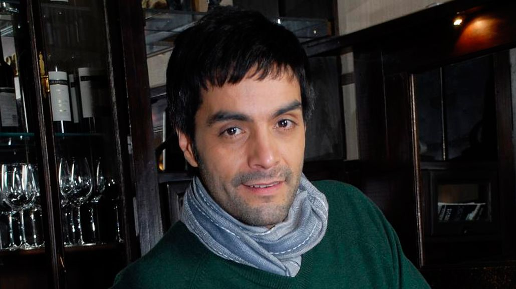 Adrián Navarro tuvo un accidente con su bici y está internado