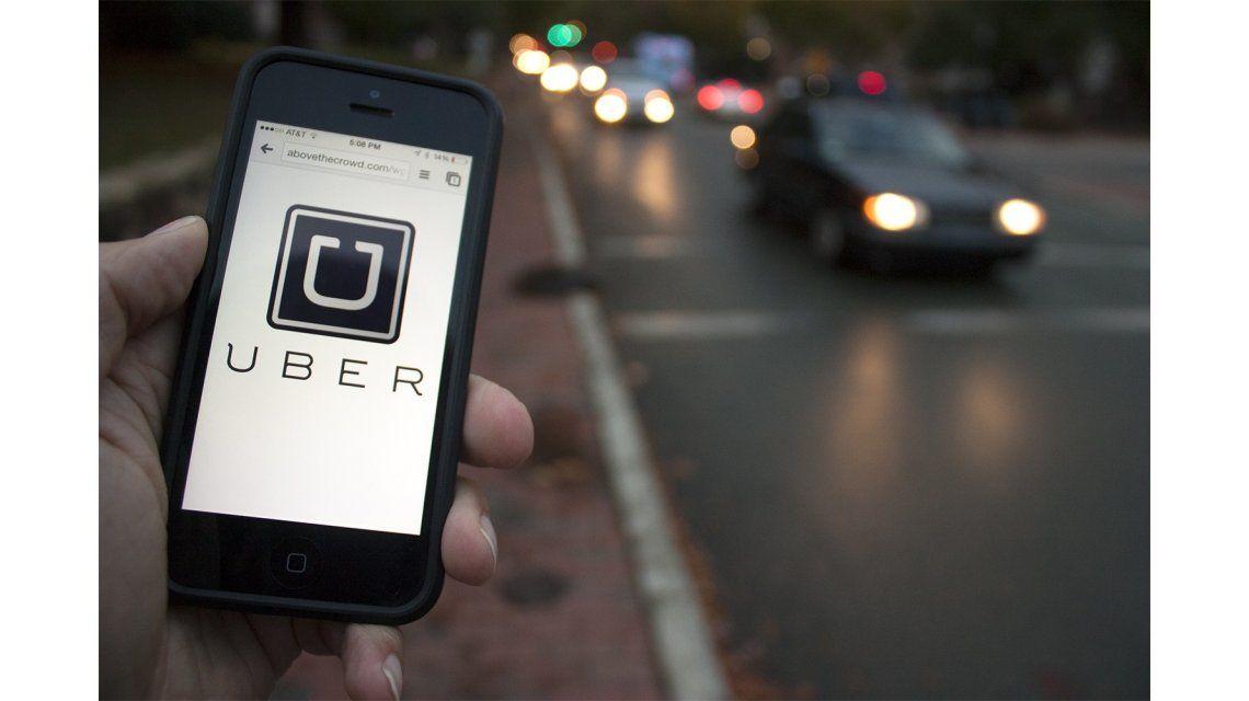 Ordenan a tarjetas de crédito no operar con Uber