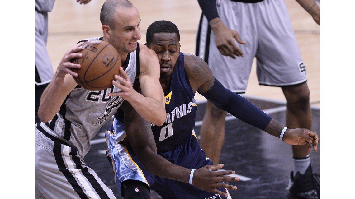 Los Spurs clasificaron a semifinales de su Conferencia