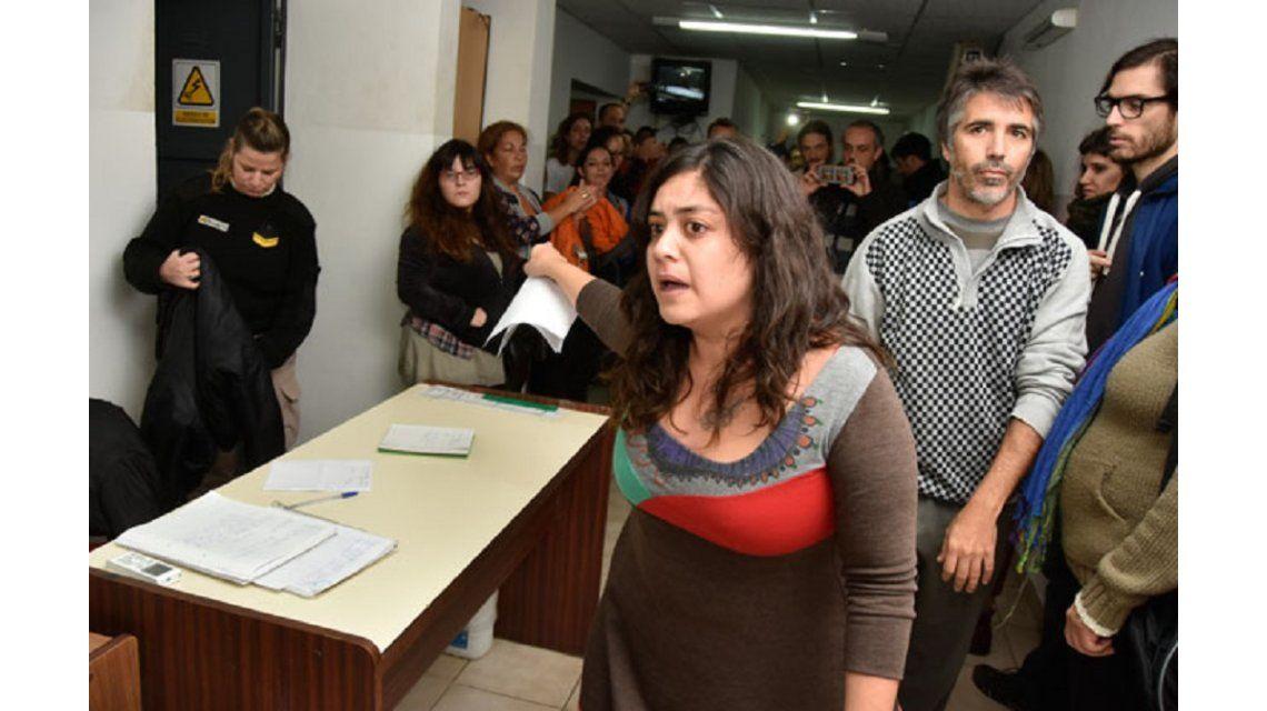 Una periodista fue detenida en La Pampa por fotografiar un procedimiento policial