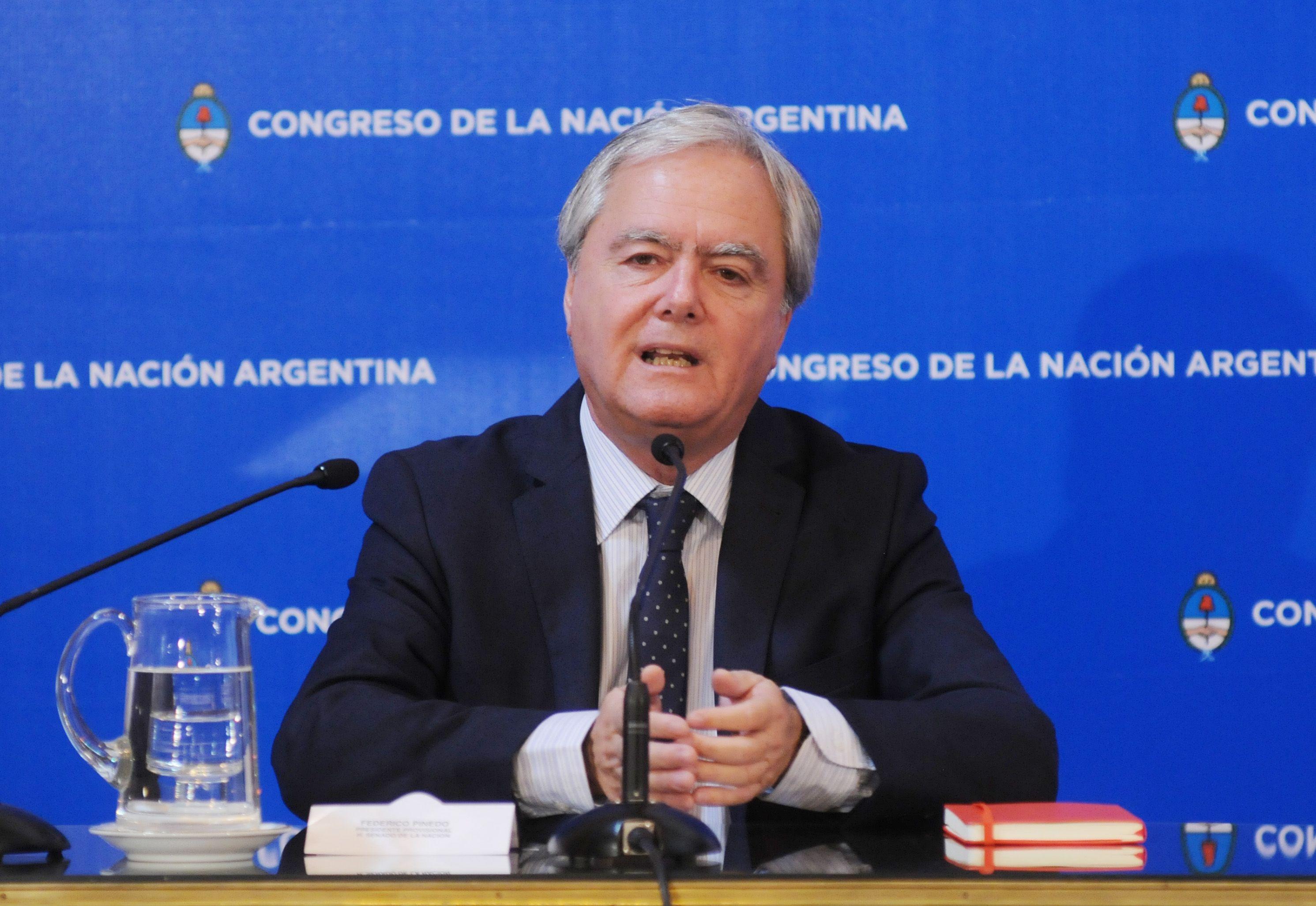 Piden investigar a Federico Pinedo por negociaciones incompatibles con la función pública