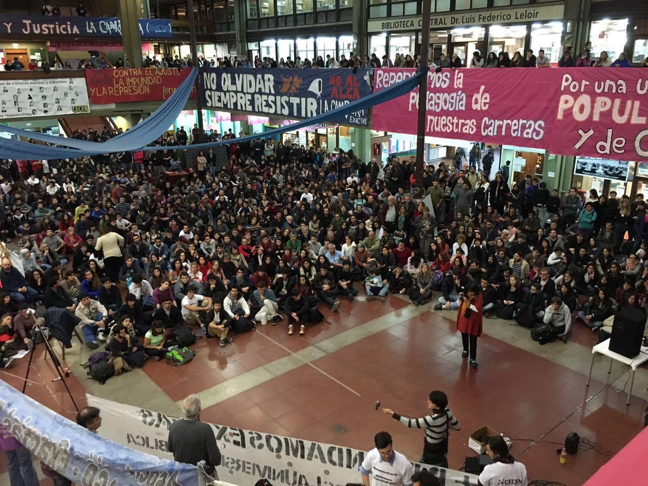 Docentes universitarios califican de parche la ampliación presupuestaria de Macri