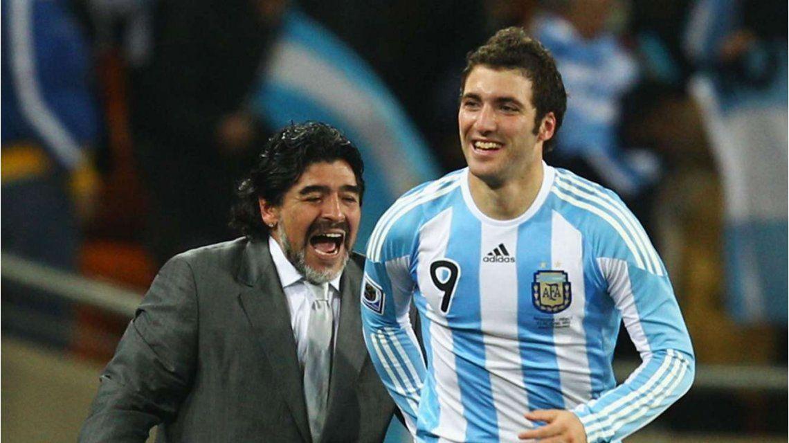 Si él lo dice: Maradona le recomienda al Nápoli vender a Gonzalo Higuaín