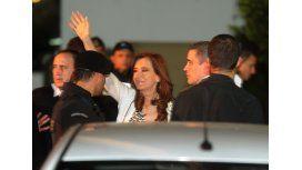 Tras reunirse con senadores y científicos, Cristina viajó de regreso a Río Gallegos