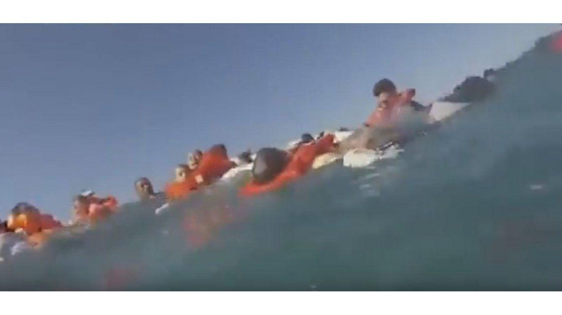 VIDEO: Una turista grabó el hundimiento del barco en el que viajaba