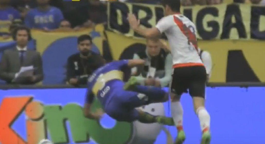 Así fue la extraña lesión de Fernando Gago en el Superclásico
