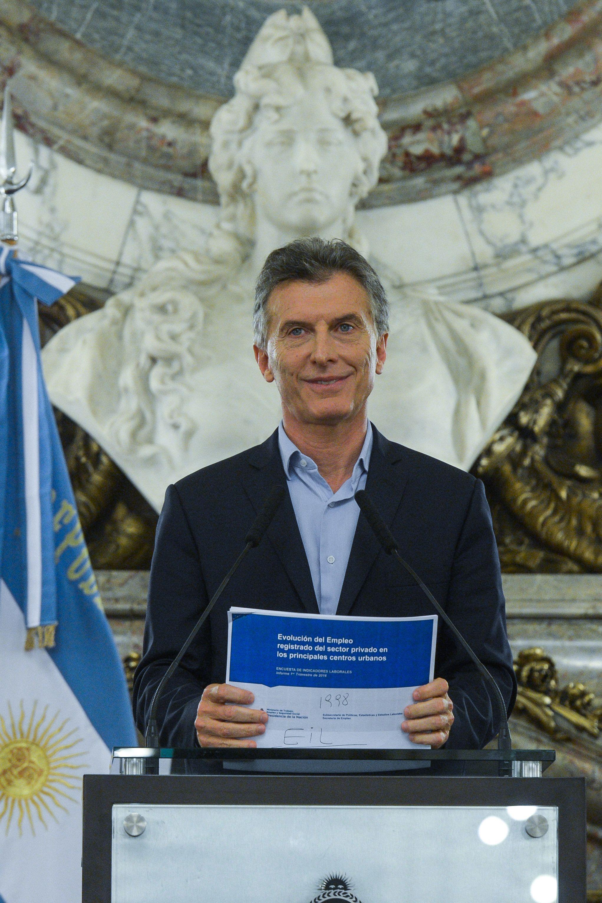 Macri admitió que a mucha gente le cuesta llegar a fin de mes, pero ratificó que el camino es el correcto
